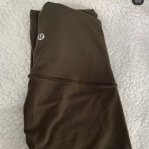 Lululemon Wunder Under tight size 6